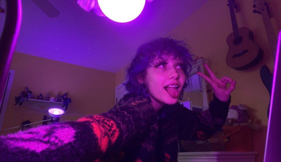 Backstage With... Chloe Moriondo - GIG GOER
